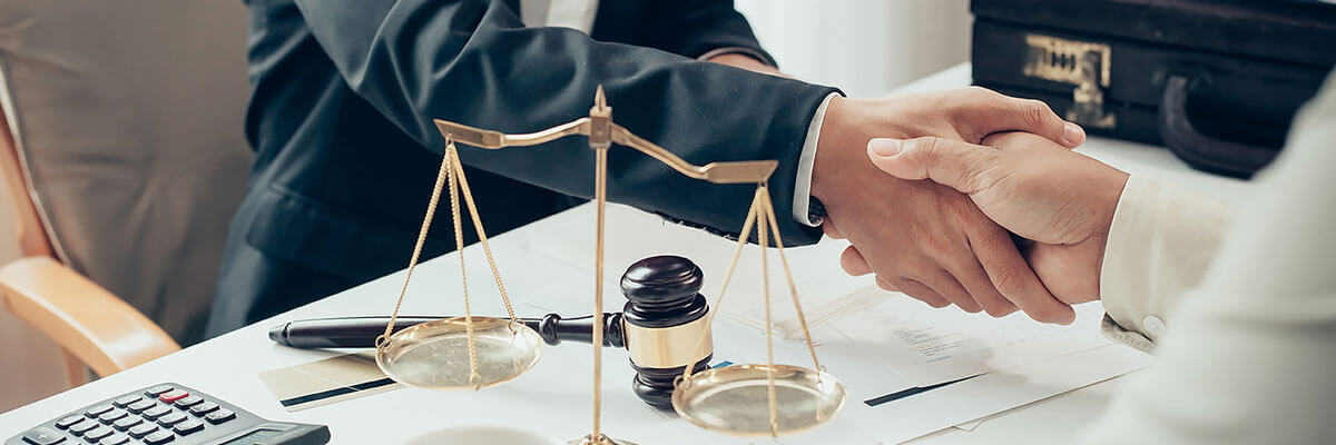 Услуги юридического обслуживания
